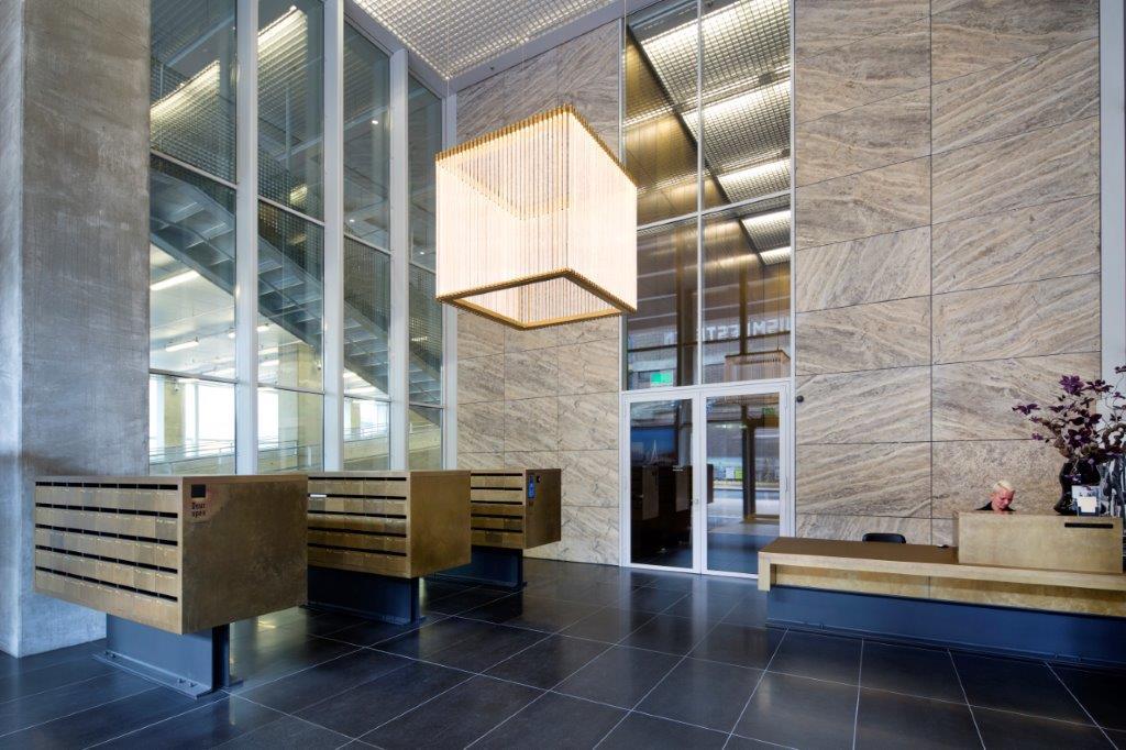 Lobby apartments