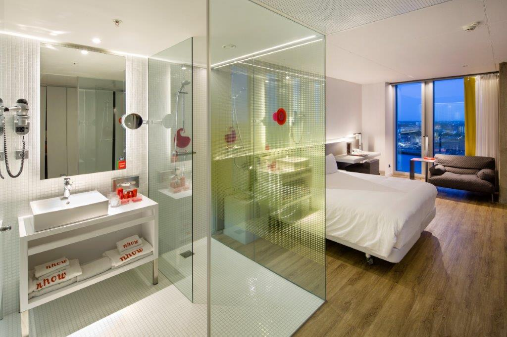 Room with bathroom nhow